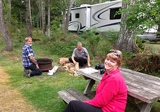 BC Canada rv rental vacation campsite picnic table photo